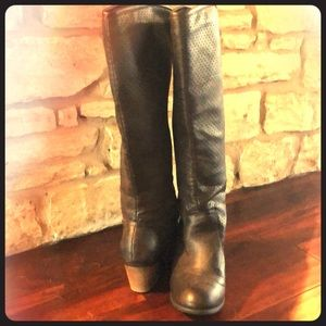 Like new pull-on riding boots